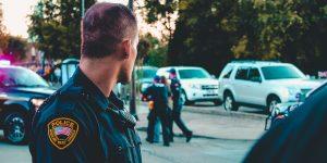 can cops lie